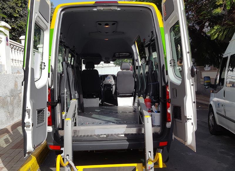 Interior de vehículo Especial Adaptado para personas con Movilidad Reducida