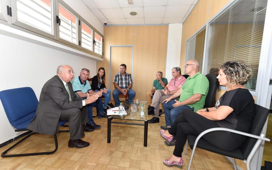 El Cabildo reunirá a los ayuntamientos para garantizar el servicio de taxi a personas con movilidad reducida